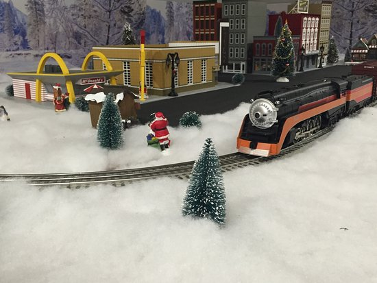 #strasburghobbies #christmas2016 #storefrontwindow #trains #slotcars
