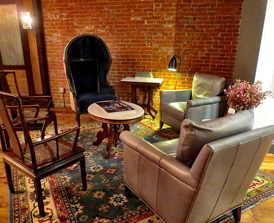 Pittsfield, MA: Lobby with eclectic furniture