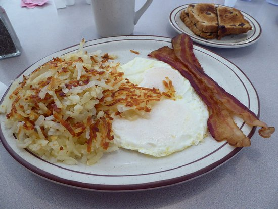 Columbus, WI: 2 eggs, hashbrowns, bacon and raisin toast