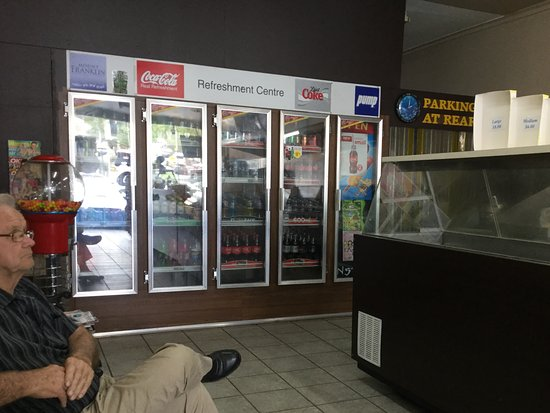 Eltham, Australia: Drink fridge