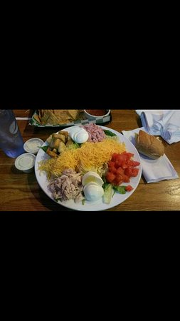 Ashland, KY: Full size chef salad! It's huge!