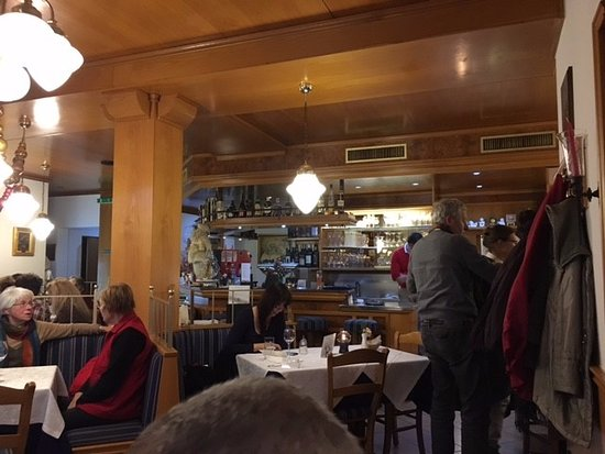 Gerlingen, Germania: inside the san marco restaurant. the bar view