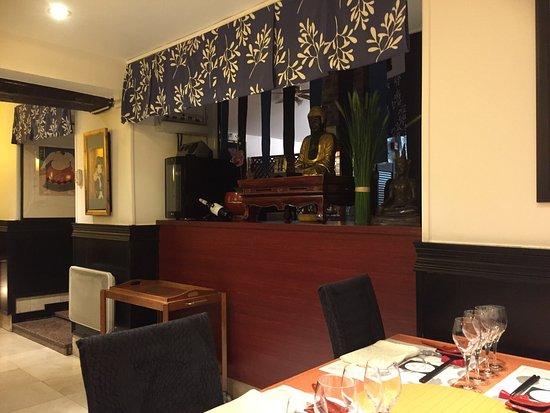 Sucy-en-Brie, Francia: Petite visite très agréable pour un dîner ...
