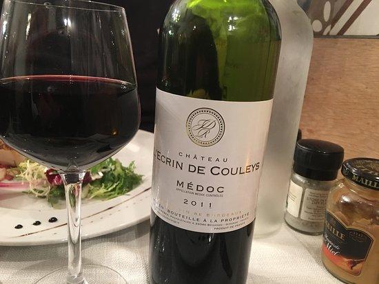 La-Bouilladisse, France: Excellent Médco: Château l'Écrin de Couleys 25€