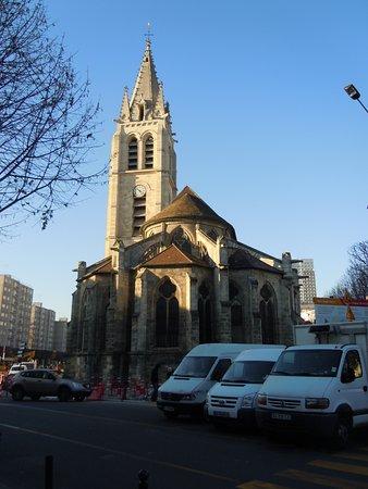 Villejuif, France: Arrière de l'église