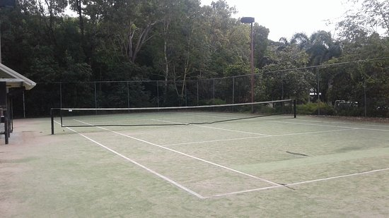 Palm Cove, Australia: Tennis courts also available