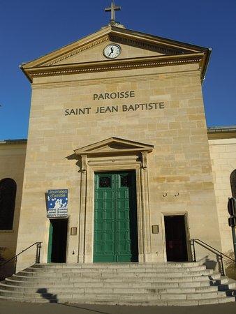 Neuilly-sur-Seine, France : Façade de l'église