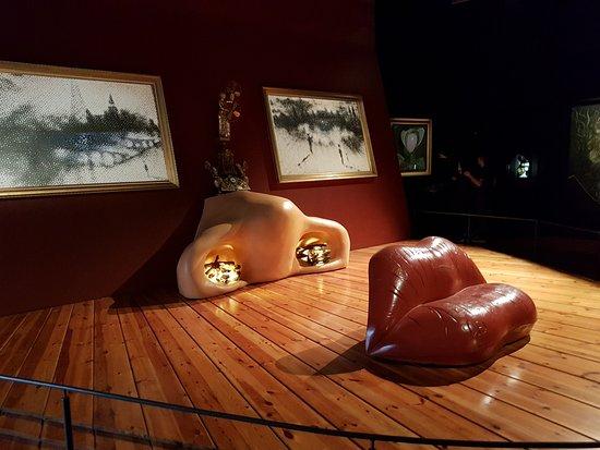 Museo Dali Figueres.Teatre Museu Dali Foto Van Dali Theatre Museum Teatro Museo Dali