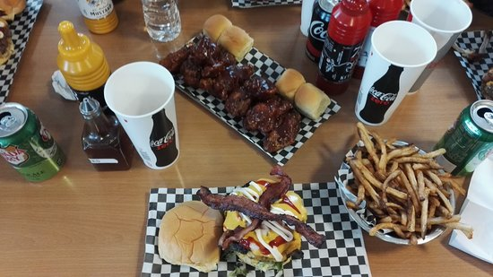 the burger point chicago south loop restaurant bewertungen telefonnummer fotos tripadvisor