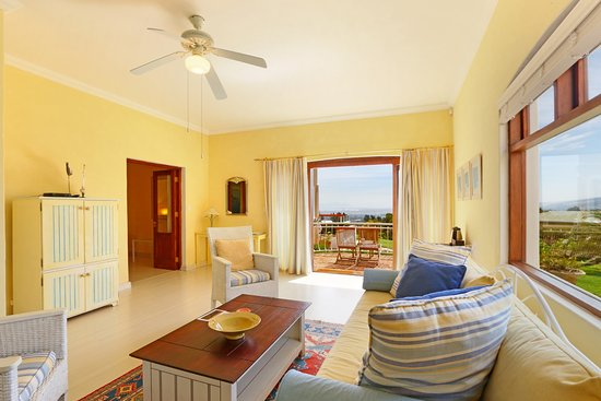 Gordon's Bay, Sudáfrica: Mediterranean Suite lounge