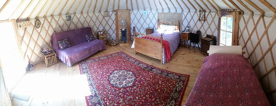 Castelnau-Magnoac, France: Gurt Yurt