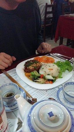 restaurant le saigon dans lons le saunier avec cuisine vietnamienne. Black Bedroom Furniture Sets. Home Design Ideas