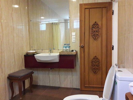 Bidet, Long Stool, Teak Carved Door in Spacious Bathroom - Picture ...