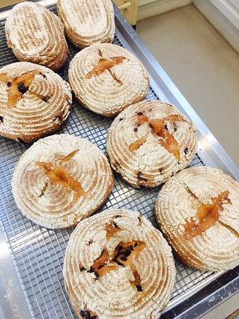 Olinda, Australia: Fresh daily baked sourdough