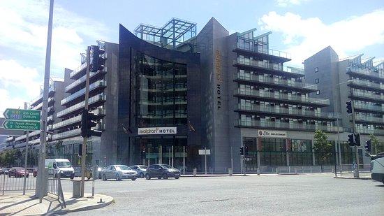 Tallaght, Irlandia: Main entry