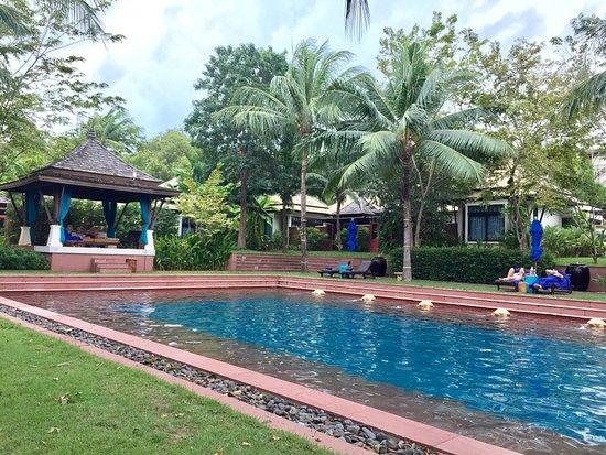 Melati Beach Resort & Spa: Lovely pools at Melati Beach