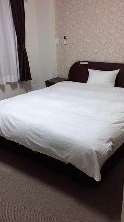 Misawa, Japan: 部屋もベッドも広め