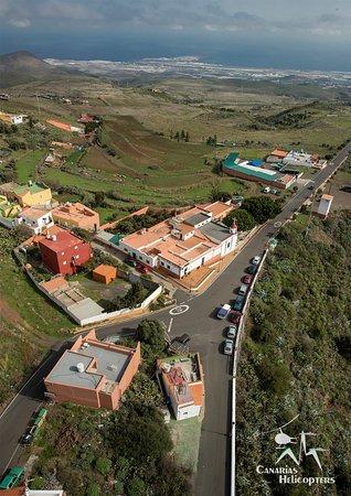 Ingenio, España: A vista de helicóptero. Por Canarias Helicopters