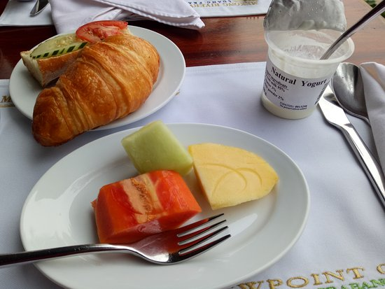 Mekong Riverview Hotel: delicious croissant and yoghurt