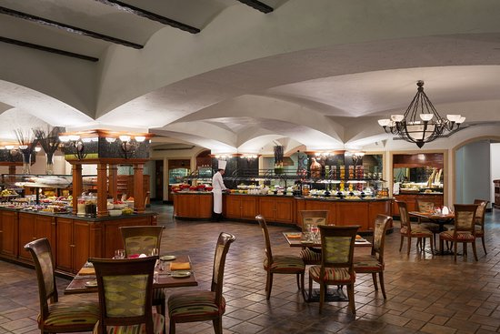 Al Ahsa, Saudi-Arabia: Experience the splendid culinary fare unfolds at The Med restaurant.