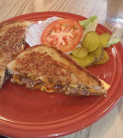 Holts Summit, MO: Patty Melt on Rye - delicious