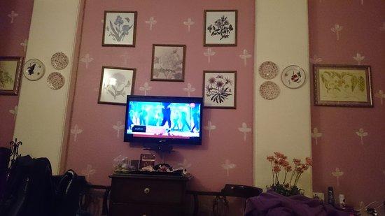 On The House: IMG-1480426326473-V_large.jpg