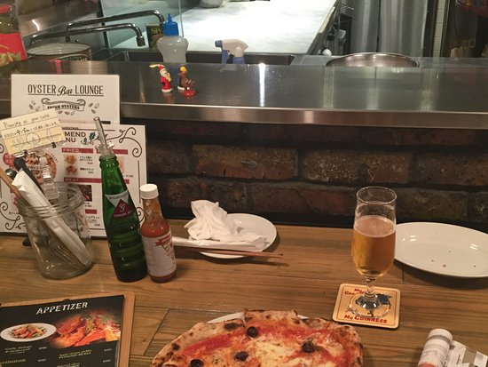 Atsugi, Japan: Super tasty pizza with olives