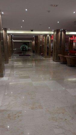 Reina Isabel Hotel: IMG-20161204-WA0000_large.jpg
