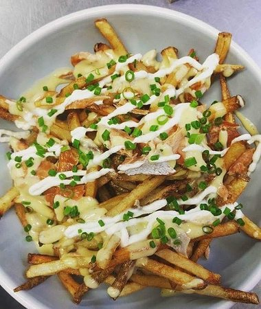 "Port Stanley, Canadá: Our ""almost famous"" Smoked Trout Frites"