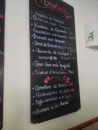 Calaf, Spania: Carta y plató de escudella.