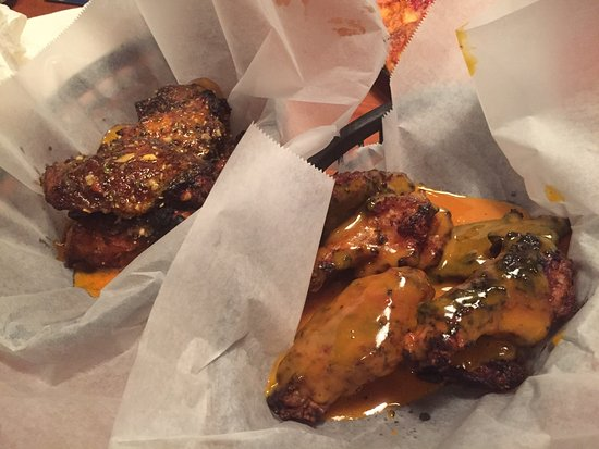 Bridgeville, Pensilvanya: Cajun (blackened) style wings