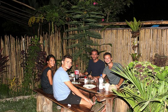 Port Barton, Filipinas: saturday night