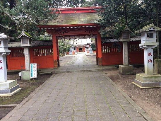 Kamisu, Japan: 参道から神門