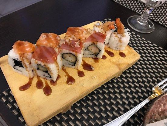 Mangia sushi a Bologna con i tuoi coinquilini