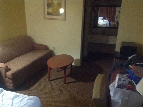 Byron, GA: Large room
