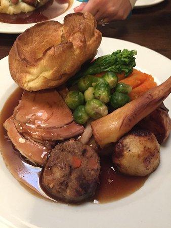 Eastleigh, UK: Sausage and mash kids meal and Sunday roast.