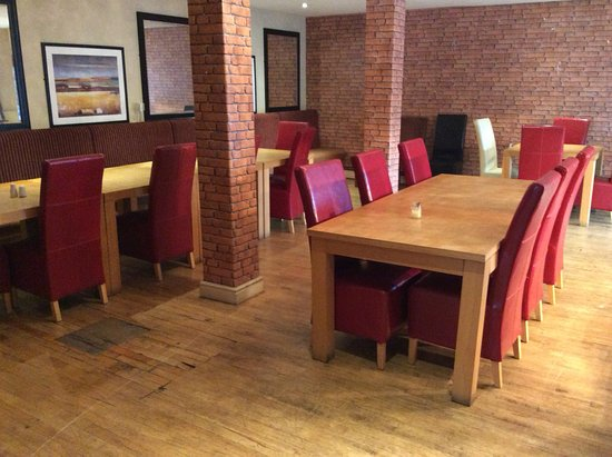 Hardstoft, UK : Carvery seating room