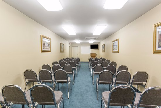 Fern Park, FL: Meeting/Function Room - fees may apply.