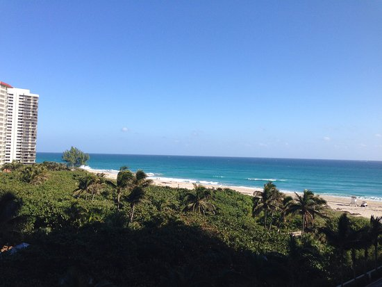Singer Island, FL: The view from our balcony.