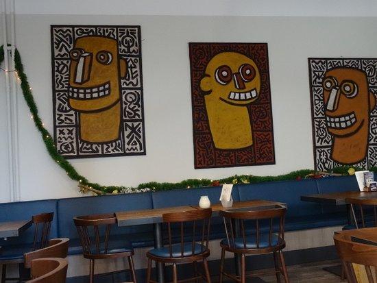 Une déco moderne et simple - Bild von Café beim Louis, Diekirch ...