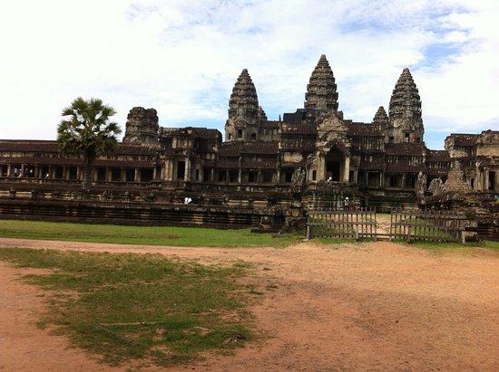 Active Travel Asia: Angkor Wat - Siem Reap, Cambodia