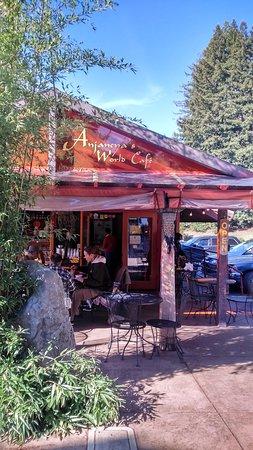 Watsonville, CA: anjaneyas world cafe