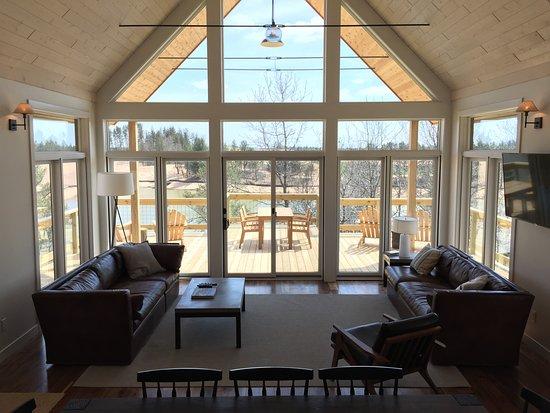Nekoosa, WI: Lake Leopold Cottage Common Room