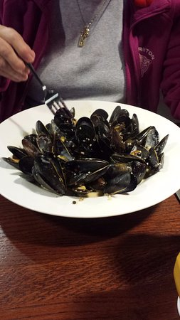 Hawkesbury, Canada: mussels at dunns