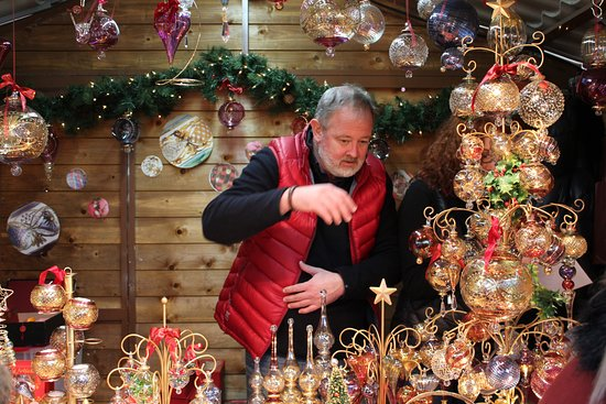lincoln christmas market bauble seller at the lincoln xmas market