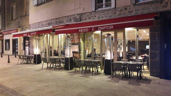 Орийак, Франция: Devanture