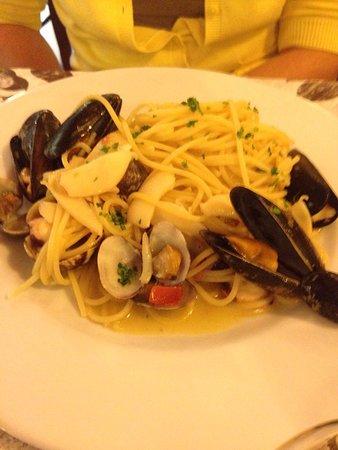 Ponsacco, Италия: Spaghetti allo scoglio.
