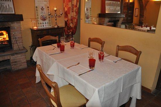 Vinchio, Włochy: Tavoli