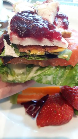 Port Alberni, Canada: Gluten-free Tuscan Turkey open-faced sandwich
