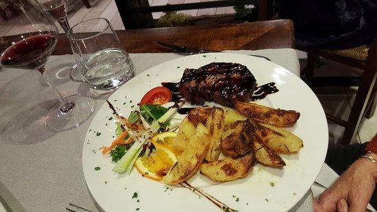 Crespina, Italia: Filetto e patate